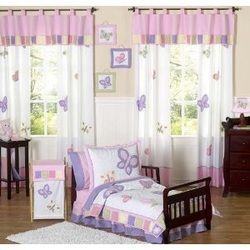 Get inspired with a little girls butterfly bedroom theme for Butterfly themed bedroom ideas
